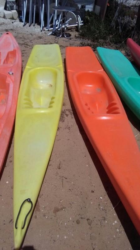 Single-seat canoe