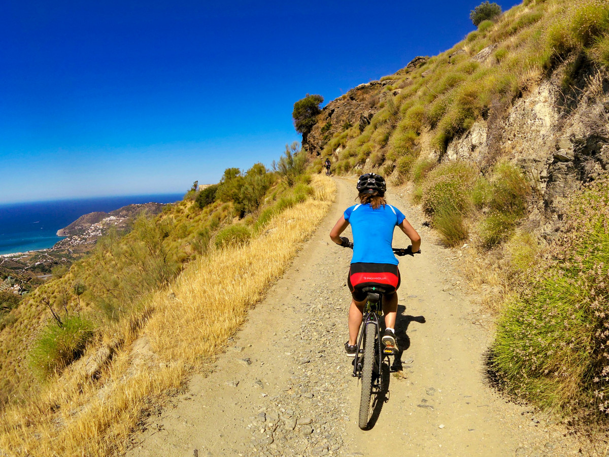 Mountain bike tour through the fantastic landscapes of La Herradura